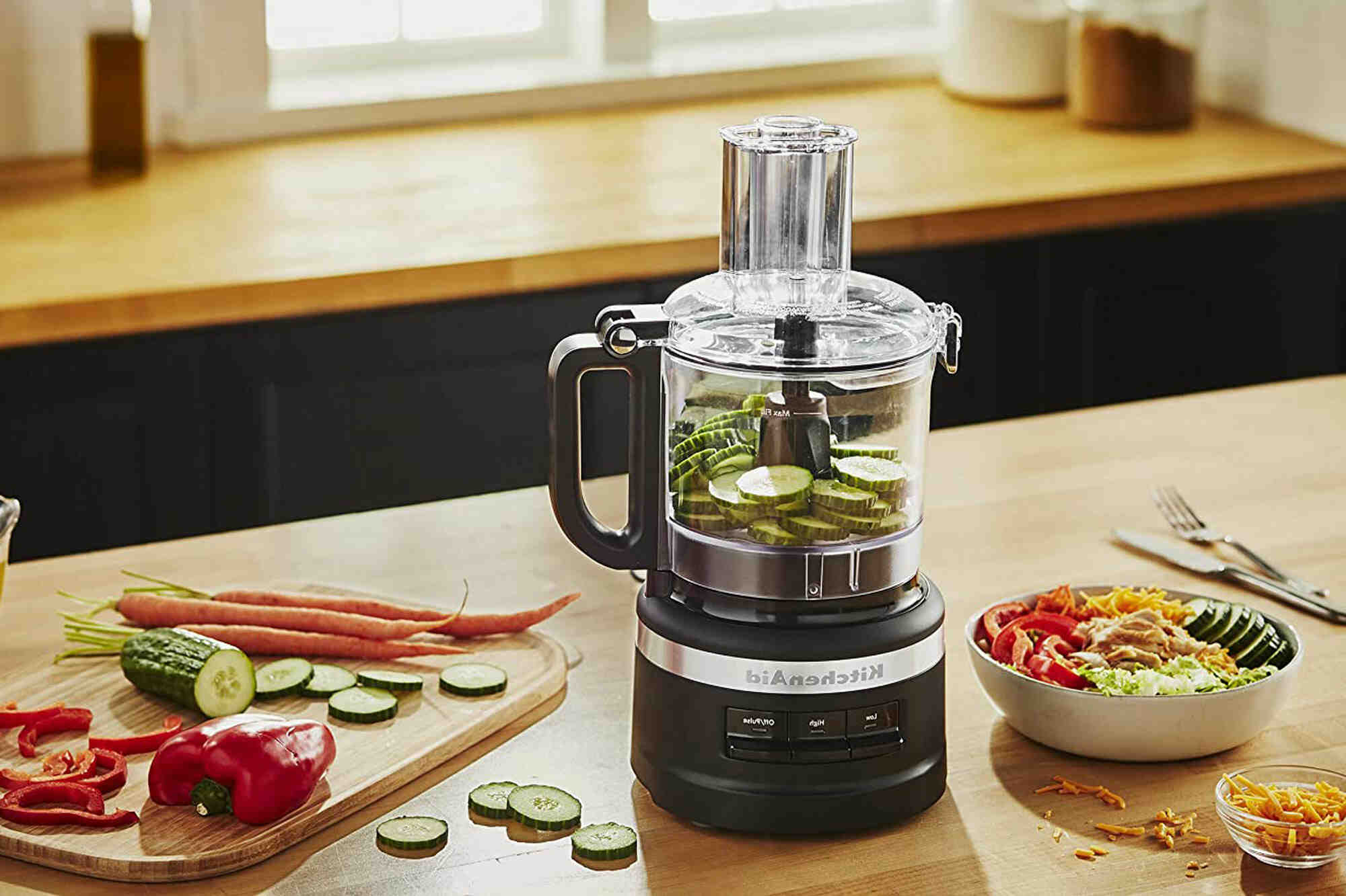 Can you make dough in a food processor?